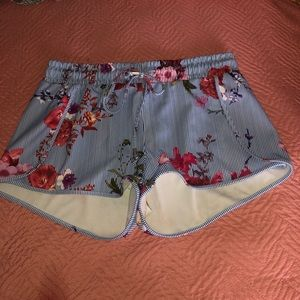 STRIPED AND FLORAL LOOSE SHORTS